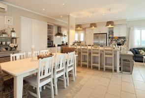 Seaside Hampton Style Kitchen