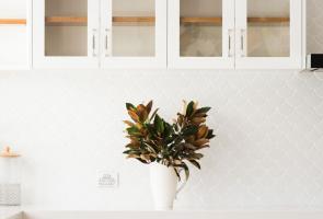 White Shaker Kitchen Granite Bench Top